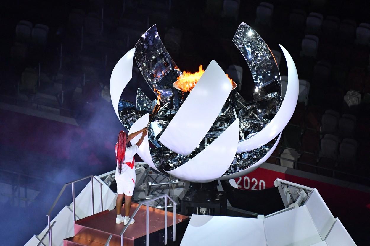 Naomi Osaka a aprins torţa olimpică / Profimedia