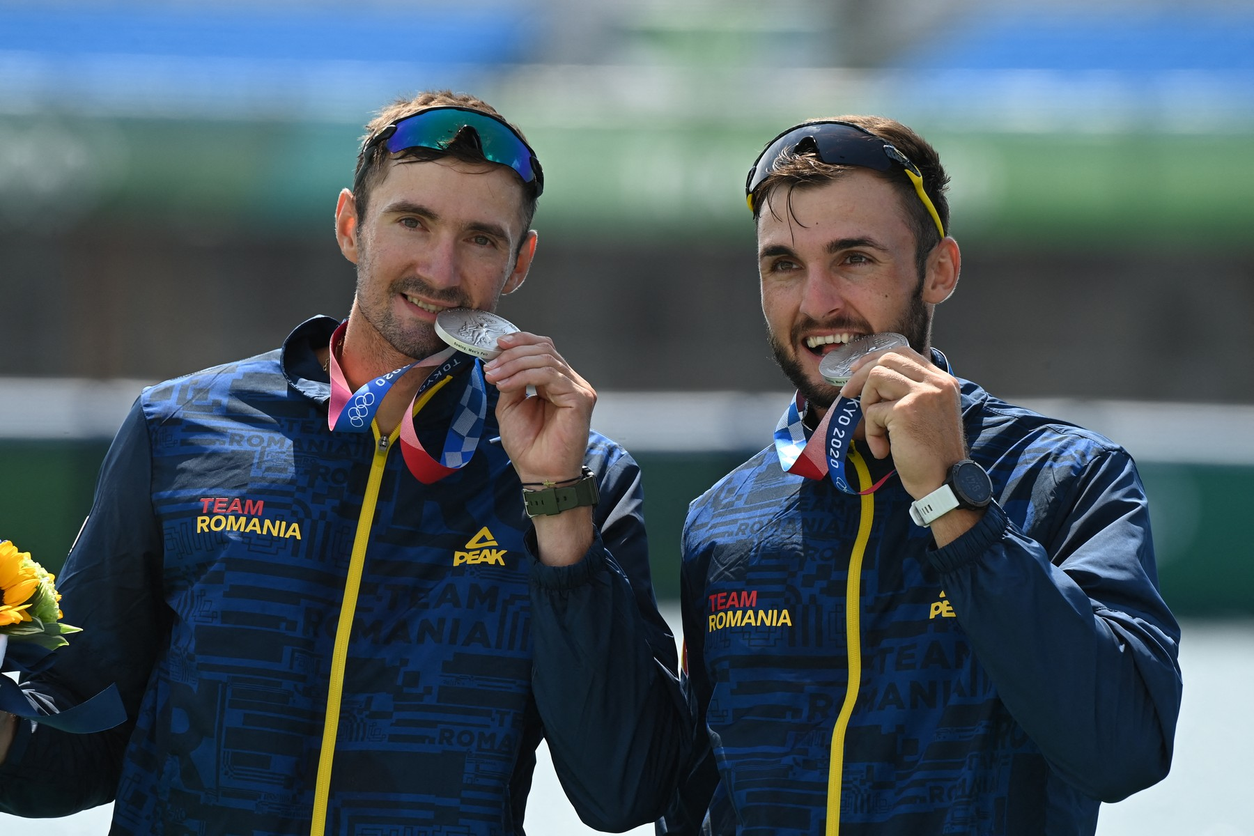 Marius Cozmiuc și Ciprian Tudosă, cu medaliile de argint