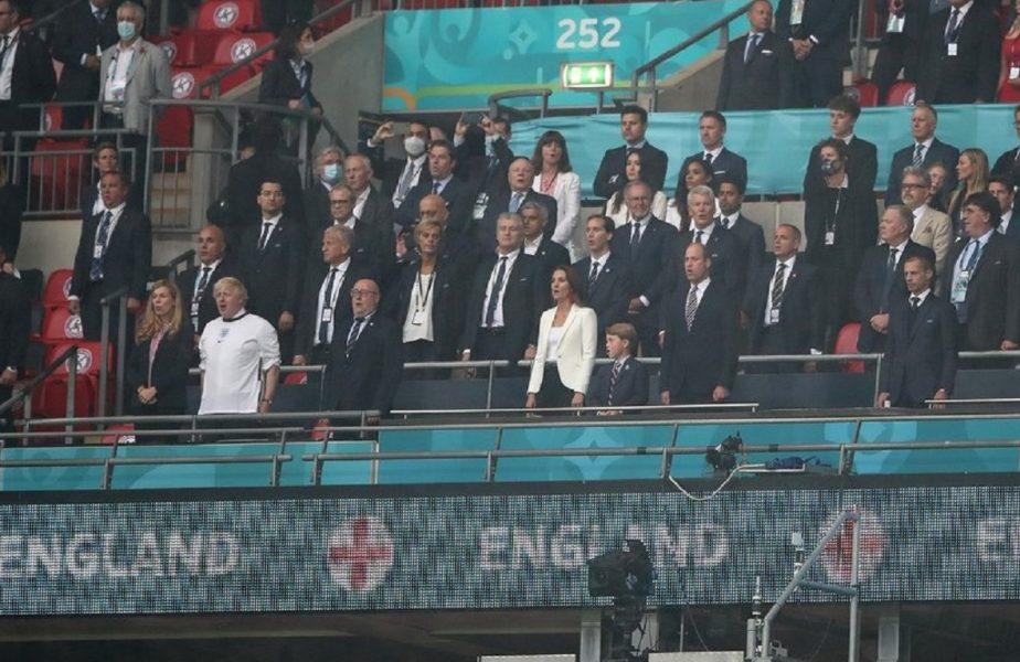 Aglomeraţie de vip-uri la finala Euro 2020! Boris Johnon, în tricoul naţionalei. Cum a reacţionat David Beckham când l-a întâlnit pe Tom Cruise