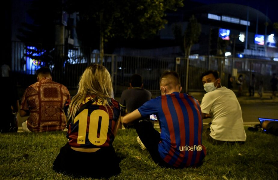 """Despărţirea Barcelonei de Leo Messi a lăsat urme adânci! Fanii au protestat după anunţul care a şocat planeta. Joan Laporta, """"inamicul"""" public nr. 1"""