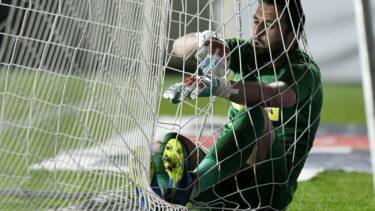 UTA – FCSB 1-0. Roş-albaştrii, la pământ! Ubbink a dat lovitura la Arad după o gafă a lui Straton. Trei schimbări făcute în minutul 34