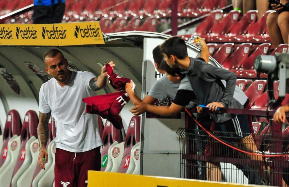 Gestul uriaş făcut de Denis Alibec după golul de 3 puncte înscris cu Chindia