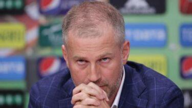 """Edi Iordănescu dă milităria jos din pod: """"Eu le țin spatele, ei trebuie să răspundă cu altă mentalitate!"""" Mesaj dur pentru jucători: """"Lucrurile astea mă necăjesc!"""""""