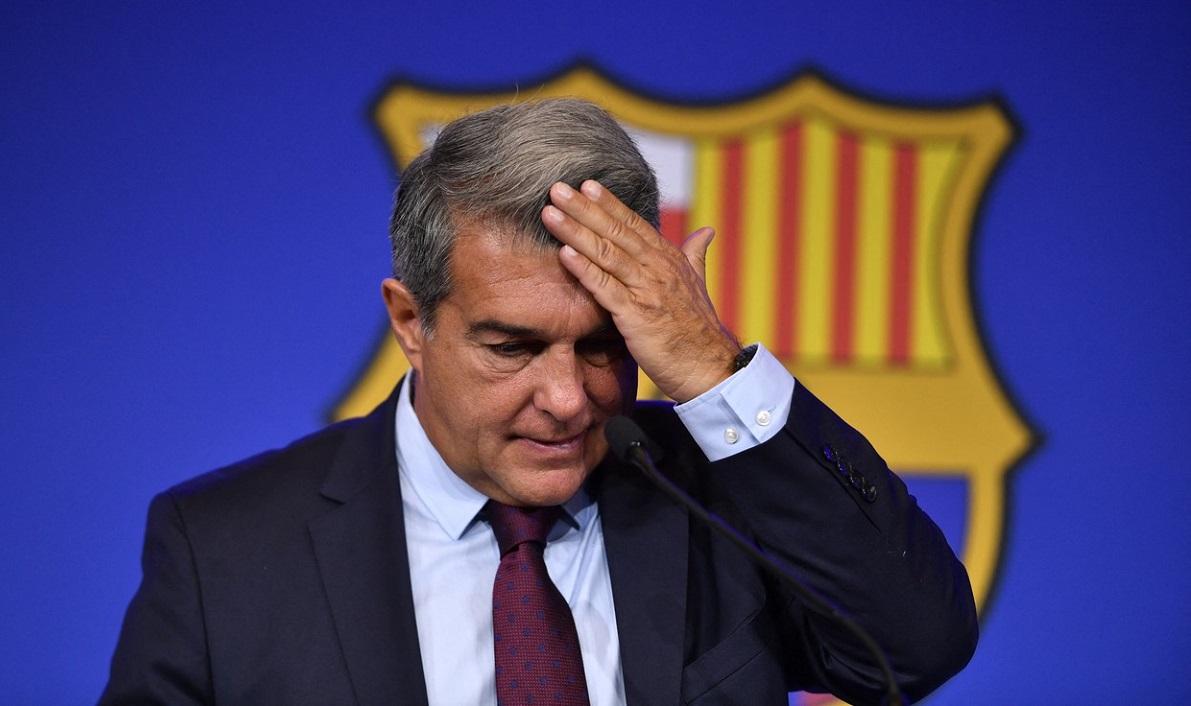 """Joan Laporta, făcut praf de suporterii Barcelonei. """"Lacheul lui Florentino Perez!"""" / """"Clubul nu e afacerea ta!"""" Incredibil pe cine vrea să aducă în locul lui Lionel Messi"""