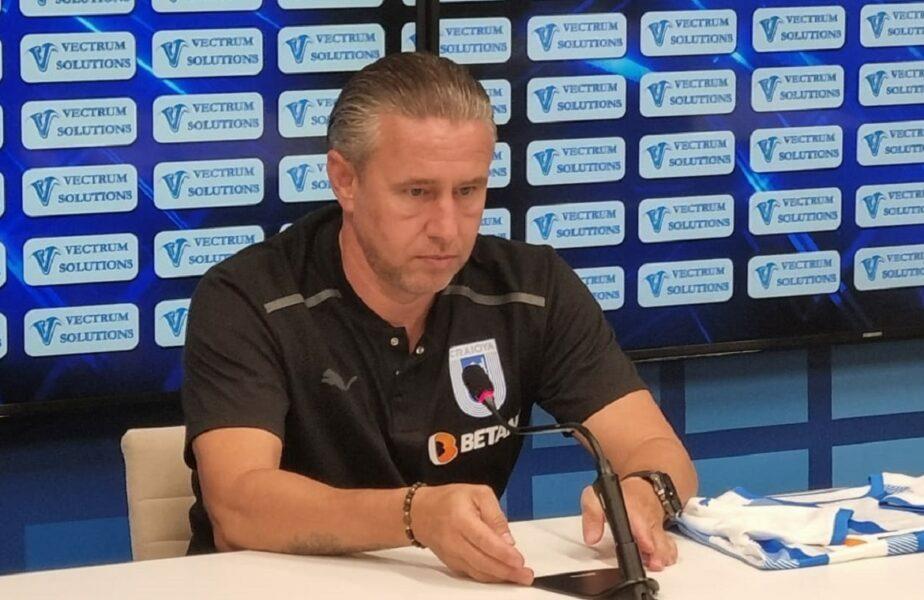 """Laurenţiu Reghecampf îl avertizează Marius Şumudică: """"Nu e un motiv să ne trateze de sus!"""" Ce transferuri a anunţat la Universitatea Craiova"""