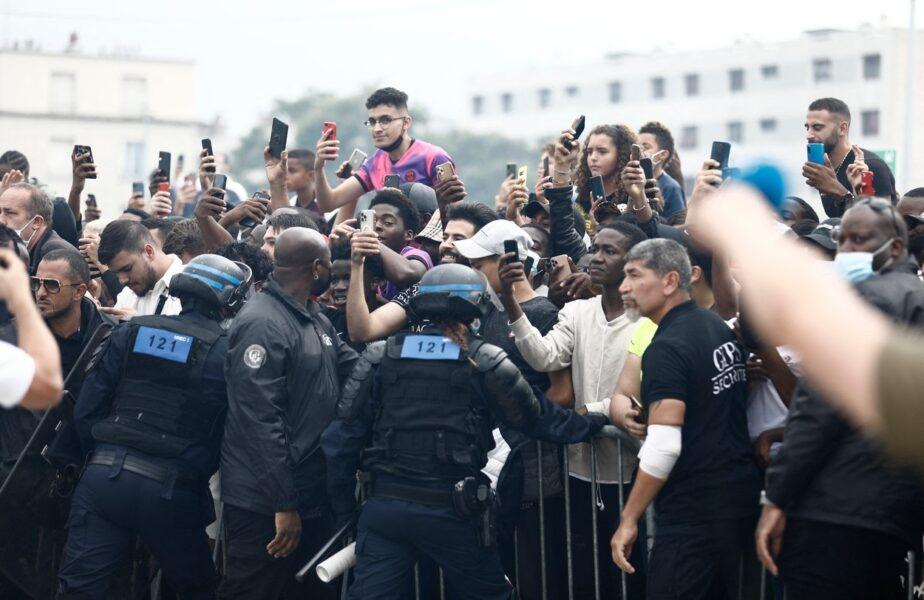 Imagini incredibile din Paris. Lionel Messi, escortat de zeci de poliţişti. Desfăşurare de trupe fără precedent!