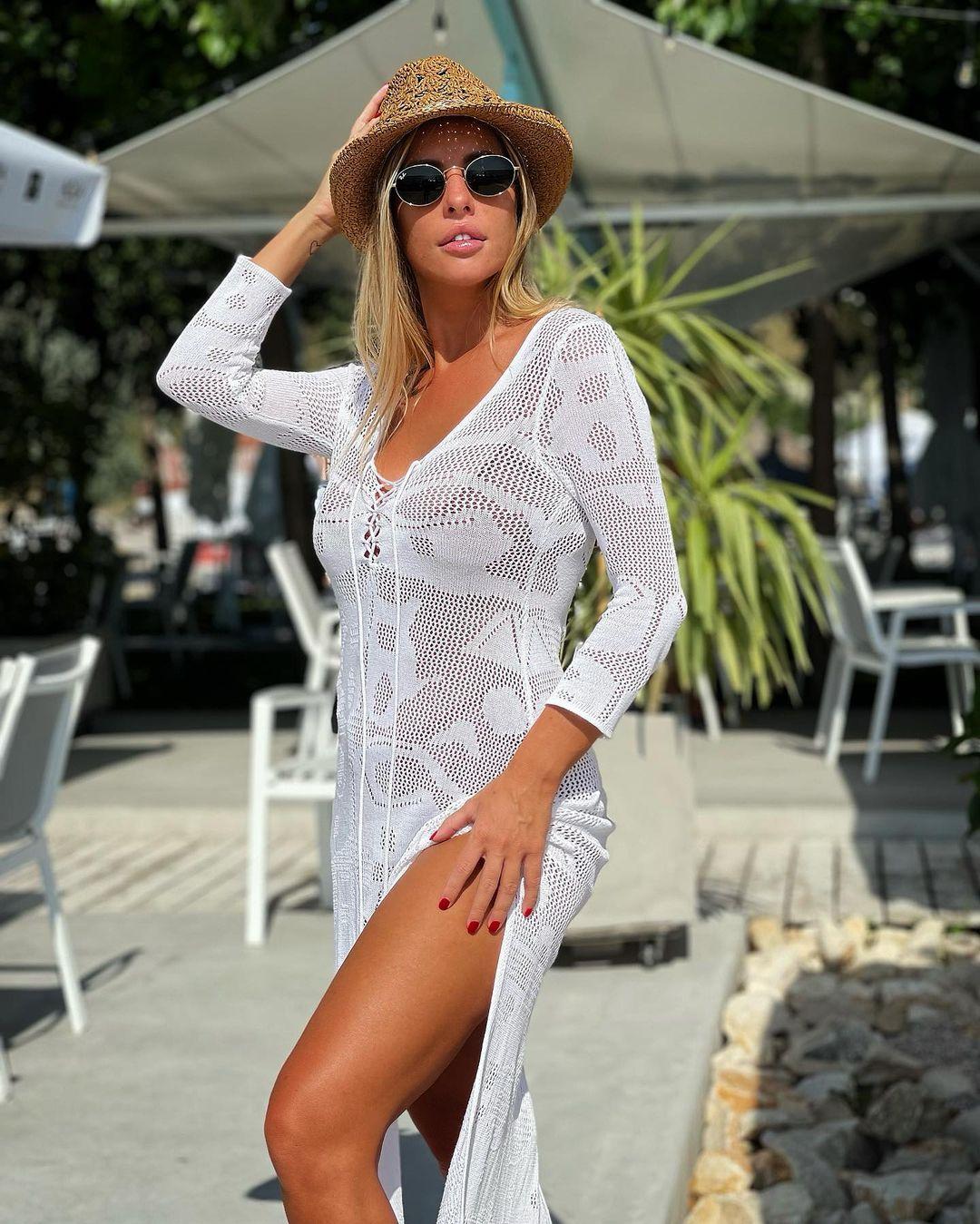 Presupusa amantă a lui Reghe, duel de la distanţă cu Anamaria Prodan / Instagram