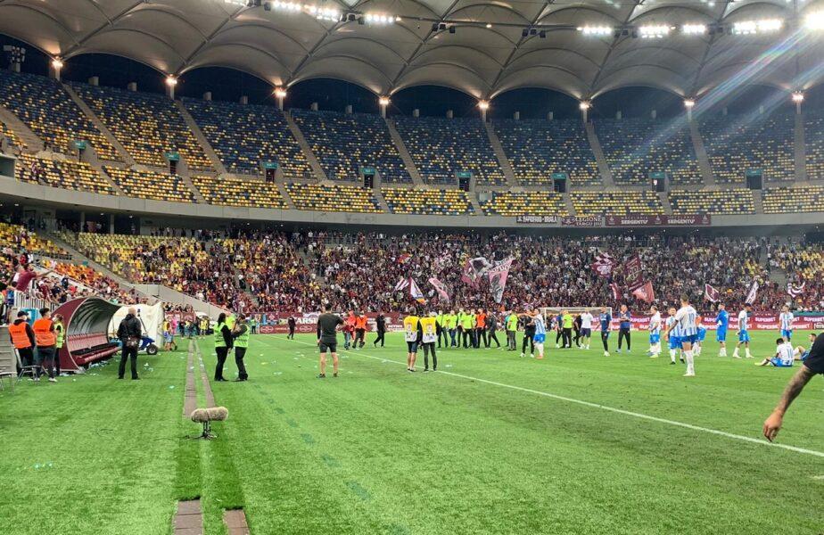 Rapid – Universitatea Craiova 1-2 | Scandal pe Arena Naţională. Reghecampf şi jucătorii olteni, atacaţi cu sticle de fanii Rapidului. Au fost scoşi prin altă zonă pentru a ajunge la vestiar