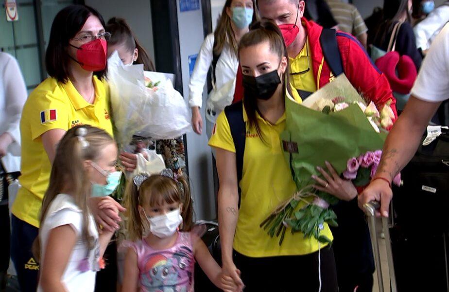 """Larisa Iordache s-a întors de la Tokyo. Declaraţii emoţionante pe aeroport. """"Am plâns aproape în fiecare seară"""""""