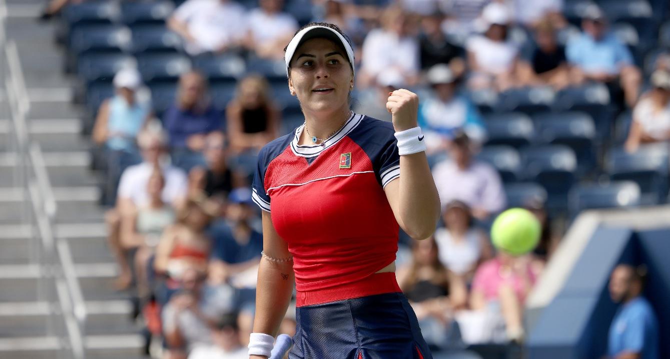 """""""Vă iubesc!"""" Mesajul superb al Biancăi Andreescu, în limba română, după calificarea în optimi, la US Open. Victorie uriaşă şi pentru Emma Răducanu"""