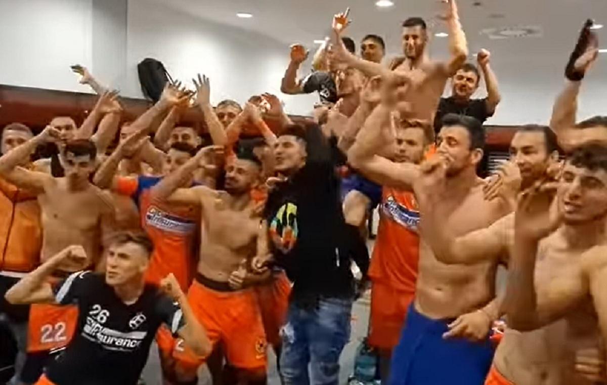 FCSB – Dinamo 6-0 | Vedetele lui Becali și-au umilit rivalii și după derby. Hitul lansat de băieții lui Iordănescu în vestiar e la fel de rușinos pentru dinamoviști ca și scorul