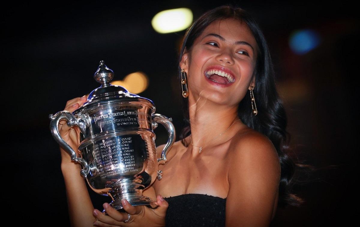 """Emma Răducanu, dezvăluiri uimitoare: """"Părinţii au fost destul de duri cu mine"""". Cum s-a bucurat după ce a câştigat US Open şi ce îşi va cumpăra în New York"""
