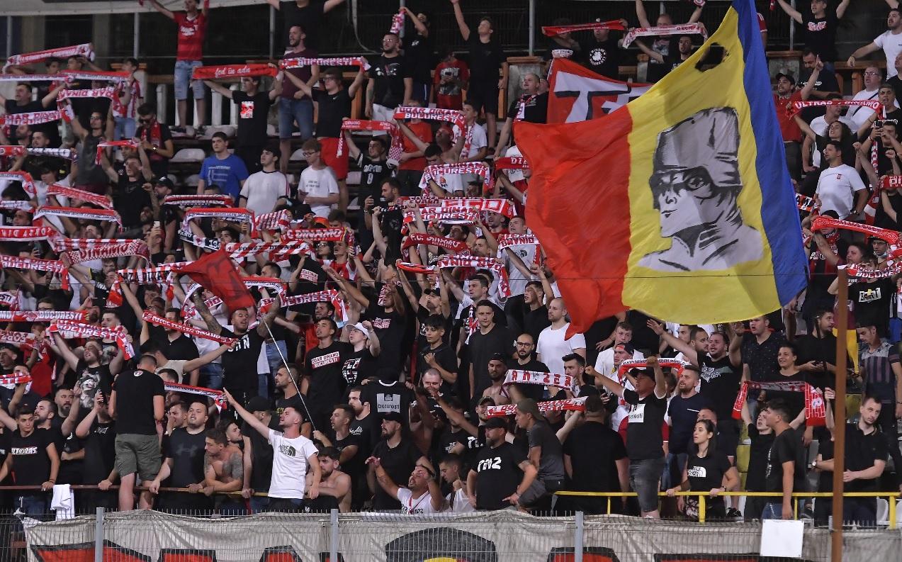 Fani Dinamo în tribune