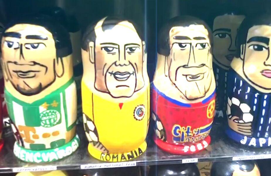 Imagini fabuloase! Florinel Coman şi Tănase, vedete într-un magazin de păpuşi din Praga! Un om de afaceri ceh i-a pus pe celebrele păpuşi din lemn Matrioşka