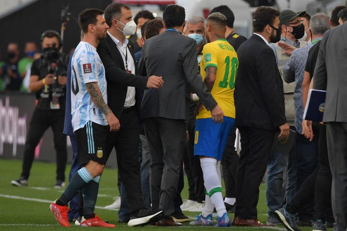 Messi şi Neymar, prinşi în haosul din Brazilia - Argentina