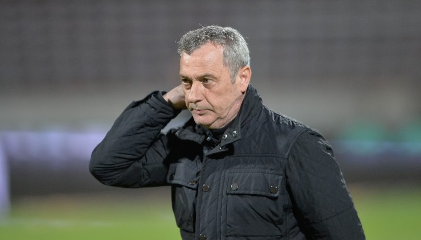 """""""Ce să fac, să mă propun singur?!"""" Mircea Rednic a așteptat degeaba un telefon de la FRF: """"Deranjezi dacă spui ce crezi!"""""""