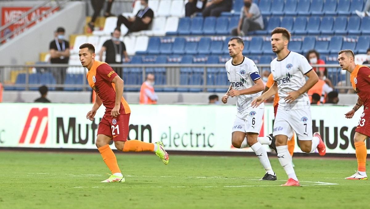 Olimpiu Moruţan joacă alături de Alex Cicâldău