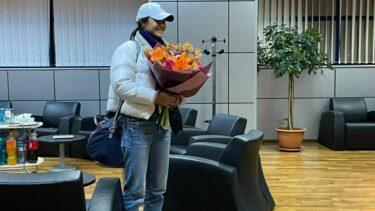 Emma Răducanu a ajuns în România pentru a participa la Transylvania Open. Primele imagini cu jucătoarea cu origini românești. Ce cadou a primit la hotel
