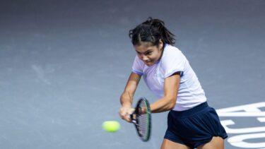 Transylvania Open | Emma Răducanu – Polona Hercog 4-6, 7-5, 6-1. Campioana de la US Open s-a calificat în turul al doilea la Cluj. Și-a distrus adversara în decisiv