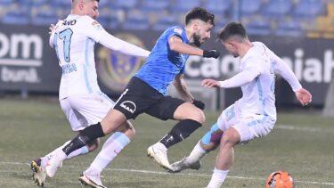 """FCSB a cerut, oficial, amânarea meciului cu Farul. Roș-albaștrii mai au 11 fotbaliști apți de joc. """"S-ar crea un precedent periculos. Regulamentul să fie respectat!"""""""