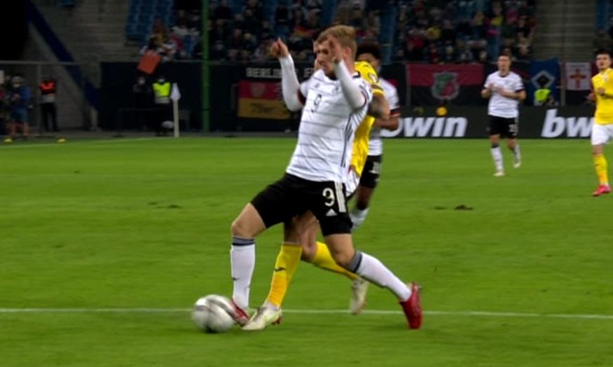 Prima fază controversată în Germania – România! Penalty anulat de VAR pentru nemţi, după un duel între Burcă şi Timo Werner