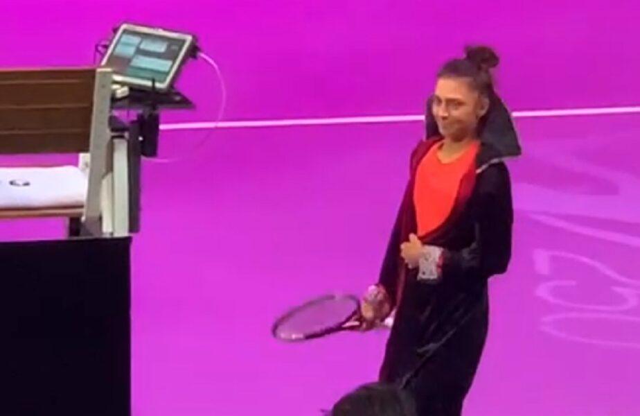 """Moment genial la Transylvania Open! Jaqueline Cristian s-a transformat în """"Dracula"""". Românca și-a pus pelerină înaintea meciului de debut"""
