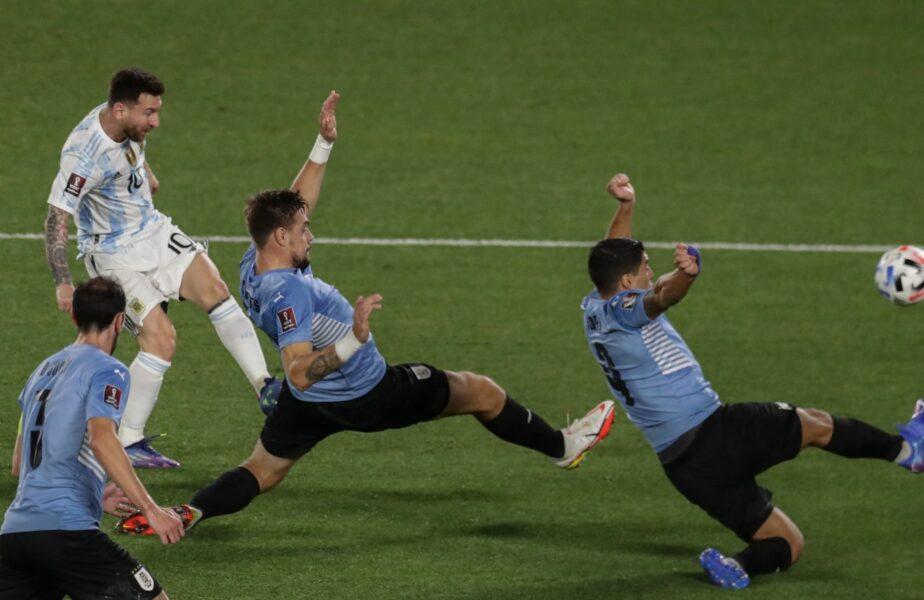 Imagine incredibilă cu Lionel Messi în timpul meciului Argentina - Uruguay 3-0.