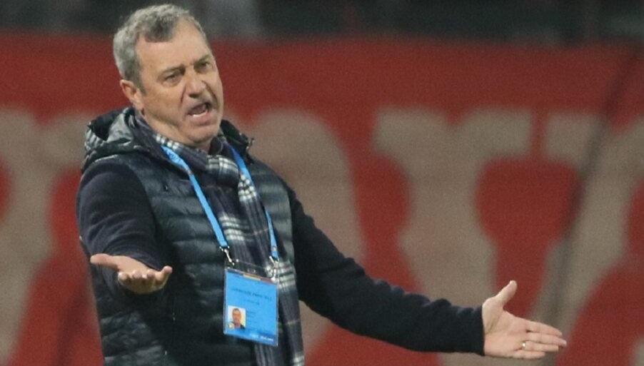 Mircea Rednic face orice pentru a o salva pe Dinamo! A mai dat afară un jucător. Îi face loc noii achiziţii