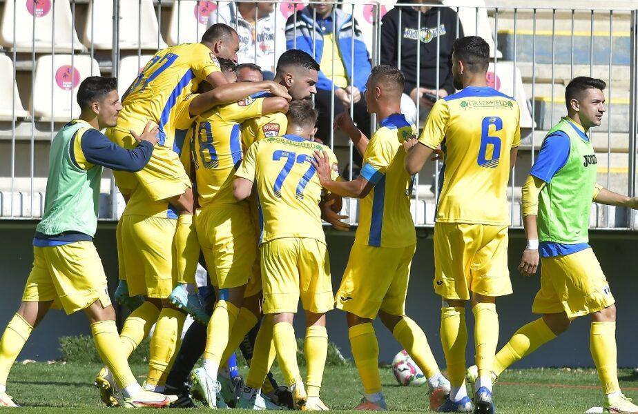 """Petrolul – CSA Steaua 2-0. """"Lupii galbeni"""" au dat de pământ cu echipa lui Daniel Oprița! 9 victorii la rând în Liga 2 pentru ploieșteni"""