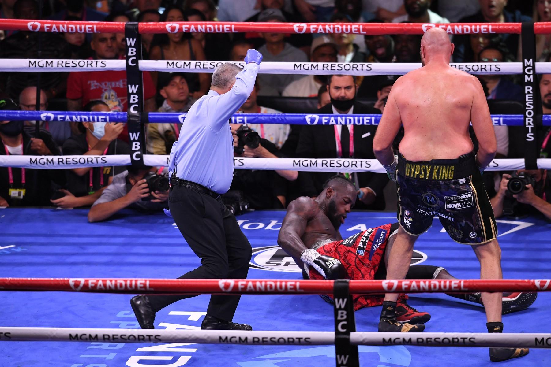 Tyson Fury, victorios în meciul cu Deontay Wilder