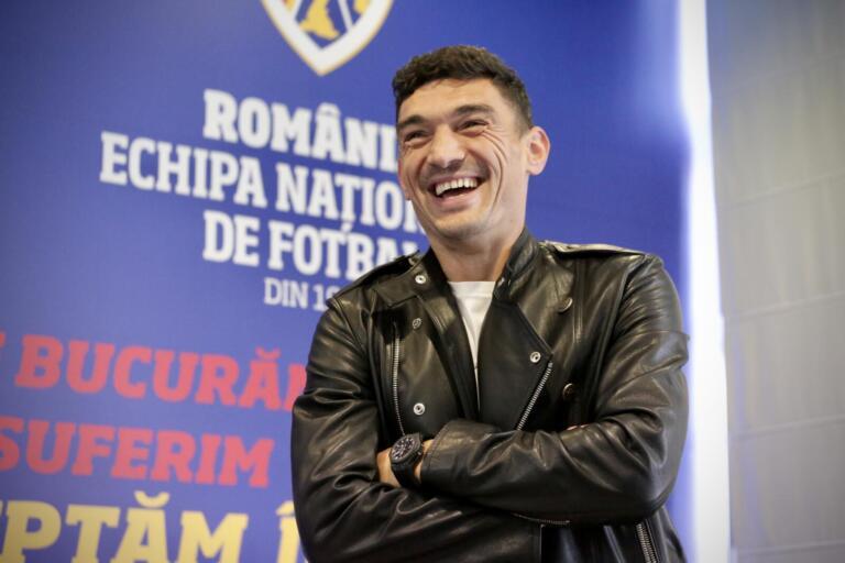 """Primii """"tricolori"""" au ajuns la Mogoșoaia! Vedetele FCSB-ului, cu zâmbetul pe buze înainte de Germania – România"""