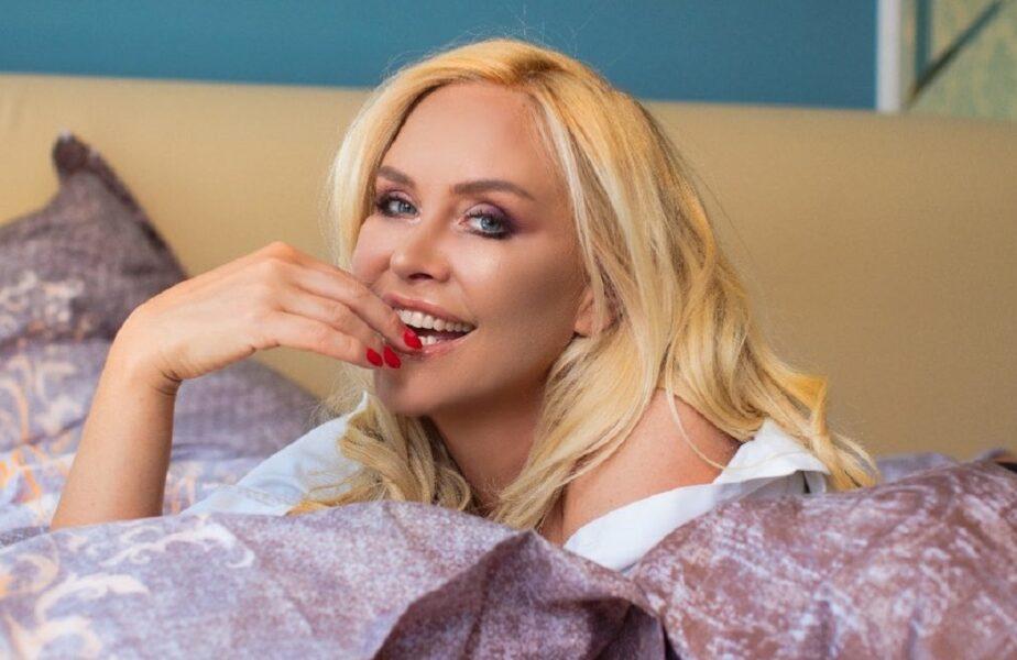 Ameninţată cu evacuarea din apartament, fosta amantă a unui român celebru se laudă cu o avere uriaşă. Reacţie vehementă după ce a fost criticată dur!