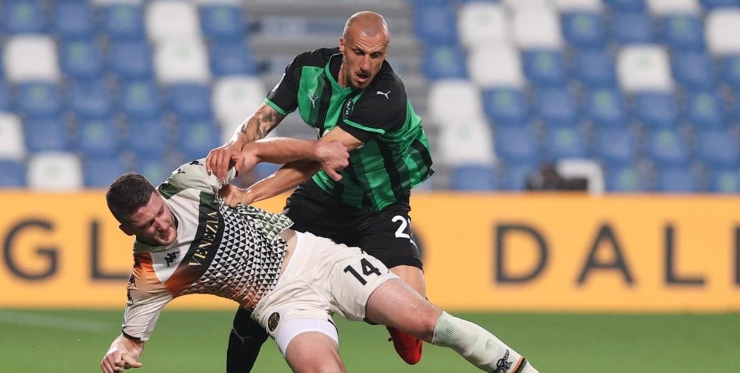 Anunțul lui Vlad Chiricheș după ce a ieșit de pe teren în meciul lui Sassuolo